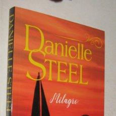 Libros de segunda mano: MILAGRO - DANIELLE STEEL. Lote 195206171