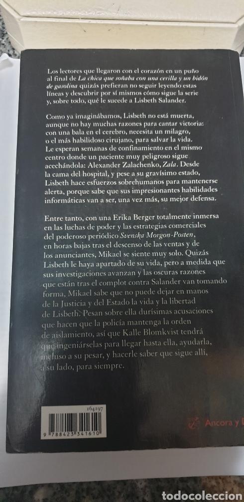 Libros de segunda mano: La reina en el Palacio de las corrientes de aire. Stieg Larsson - Foto 2 - 199784746