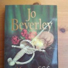 Libros de segunda mano: JO BEVERLY - MAGIA PROHIBIDA. Lote 200028832