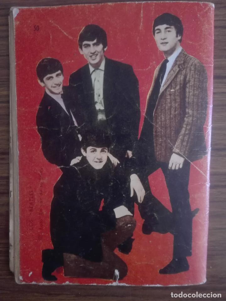LIBRO CON CONTRAPORTADA RARA - THE BEATLES 1966 UN PILOTO EN APUROS NOVELA GRAFICA PARA ADULTOS 60G (Libros de Segunda Mano (posteriores a 1936) - Literatura - Narrativa - Novela Romántica)