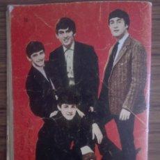 Libros de segunda mano: LIBRO CON CONTRAPORTADA RARA - THE BEATLES 1966 UN PILOTO EN APUROS NOVELA GRAFICA PARA ADULTOS 60G. Lote 208372845