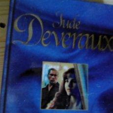 Libros de segunda mano: JUDE DEVERAUX-LA MUJER DE LA RIBERA. Lote 211582474