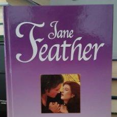 Libros de segunda mano: VANIDAD - JANE FEATHER. Lote 214607662