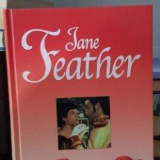 Libros de segunda mano: NOCHES DE PLATA - JANE FEATHER. Lote 214751027