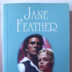 Libros de segunda mano: LA VENGADORA DE JANE FEATHER. Lote 235962830