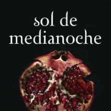 Libros de segunda mano: SOL DE MEDIANOCHE ( SAGA CREPÚSCULO 5 ). Lote 236361170