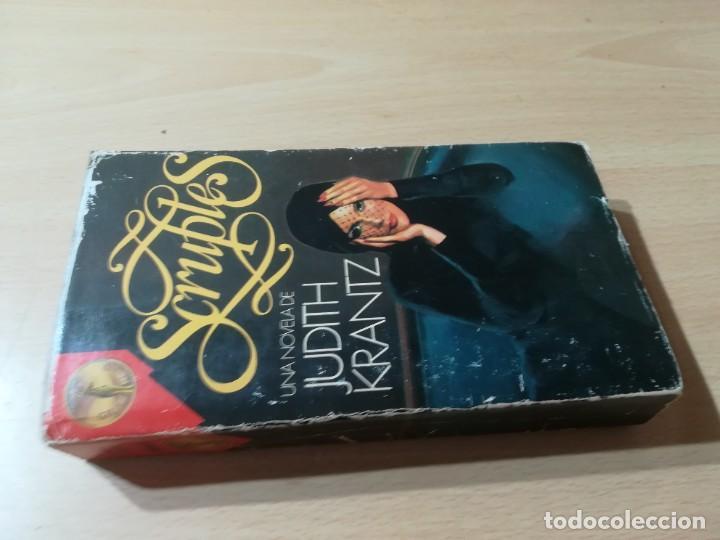 SCRUPLES / JUDITH KRANZ / EDICIONES GP / M407 (Libros de Segunda Mano (posteriores a 1936) - Literatura - Narrativa - Novela Romántica)