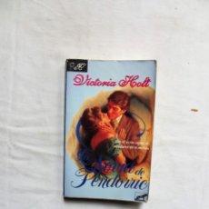 Libros de segunda mano: NOVELA ROMANTICA - LA NOVIA DE PENDORRIC DE VICTORIA HOLT. Lote 262950080