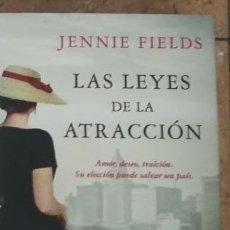Libros de segunda mano: LAS LEYES DE LA ATRACCIÓN JENNIE FIELDS. Lote 277754773