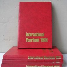 Libros de segunda mano: 4 TOMOS .. INTERNATIONAL YEARBOOK 1977-78-80-81 A YEAR OF YOUR LIFE IDIMA INGLES. Lote 24716570