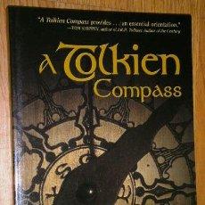 Libros de segunda mano: A TOLKIEN COMPASS POR JARED LOBDELL DE ED. OPEN COURT EN CHICAGO 2003 SECOND EDITION. Lote 37006250