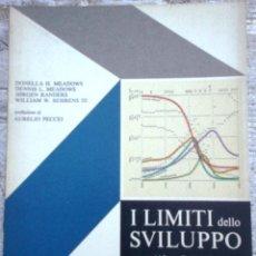 Libros de segunda mano: LIBRO I LIMITI DELLO SVILUPPO AÑO 1972. Lote 49901238