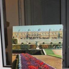 Libros de segunda mano: VERSAILLES QUE J'AIME, PIERRE GAXOTTE-ROBERT DESCHARNES. PARIS 1966.DEDICATORIA AL SOBRINO DE FRANCO. Lote 69649889