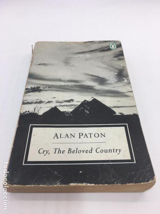 CRY, THE BELOVED COUNTRY POR ALAN PATON PENGUIN BOOKS - 1988 (Libros de Segunda Mano - Otros Idiomas)