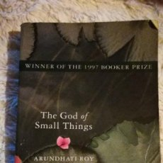 Libros de segunda mano: THE GOD OF SMALL THINGS - ARUNDHATI ROY. Lote 115263027