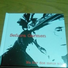 Libri di seconda mano: SEÑORA CARMEN, NATIONAL FLOR DOS MENÚS ANOS, LIBRO CD Y DVD NUEVO. Lote 121194419
