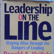 Libros de segunda mano: LIBRO EN FRANCES: LEADERSHIP ON THE LINE -RONALD A. HEIFETZ - MARTY LINSKY Nº35. Lote 123551935