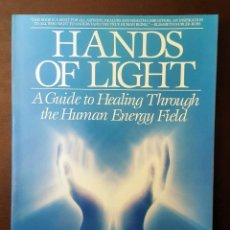 Libros de segunda mano: HANDS OF LIGHT - BARBARA ANN BRENNAN EN INGLES. Lote 125067983