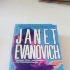 Libros de segunda mano: C-15OG18 LIBRO EN INGLES JANET EVANOVICH TWO FOR THE DOUGH. Lote 125155523