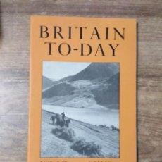 Libros de segunda mano: MFF.- BRITAIN TO-DAY.- THE TWO FREEDOMSL.- NEW LITERATURE.- Nº 218- JUNE 1954.- 48 PAGINAS. Lote 151437498
