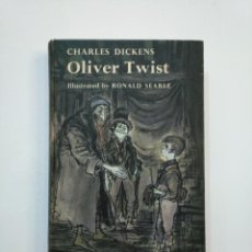 Libros de segunda mano: OLIVER TWIST. CHARLES DICKENS. ILLUSTRATED BY RONALD SEARLE. EN INGLES. TDK375. Lote 154745622