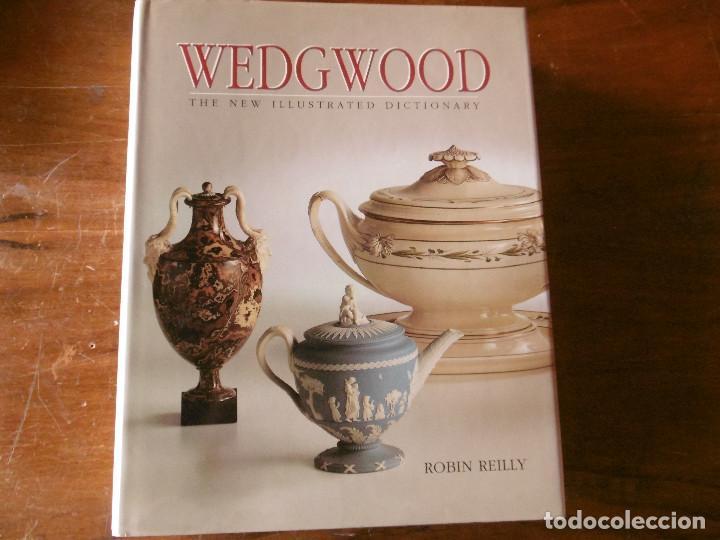 GRAN LIBRO-GUIA DE LOS PRODUCTOS DE WEDGWOOD (Libros de Segunda Mano - Otros Idiomas)