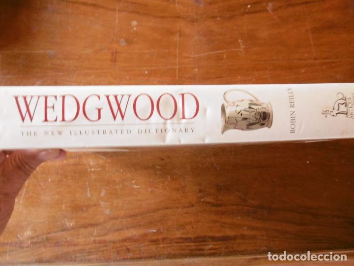 Libros de segunda mano: GRAN LIBRO-GUIA DE LOS PRODUCTOS DE WEDGWOOD - Foto 2 - 165532634