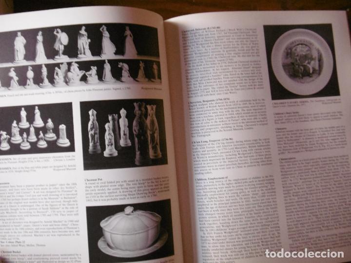Libros de segunda mano: GRAN LIBRO-GUIA DE LOS PRODUCTOS DE WEDGWOOD - Foto 11 - 165532634