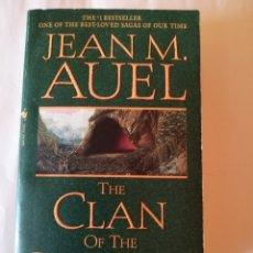 Libros de segunda mano: THE CLAN OF THE CAVE BEAR JEAN M. AUEL BANTAM BOOKS 2002 ISBN 0553250426. Lote 173371033