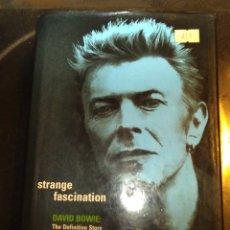 Libros de segunda mano: STRANGE FASCINACIÓN. DAVID BOWIE THE DEFINITIVE STORY. DAVID BUCKLEY. LIBRO EN INGLÉS. Lote 177053997