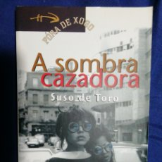 Libros de segunda mano: A SOMBRA CAZADORA. EN GALLEGO. BUEN ESTADO. Lote 180506615