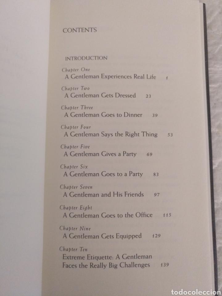 Libros de segunda mano: How to be a Gentleman. A contemporary guide to common courtesy. John Bridges. Libro - Foto 3 - 181495151
