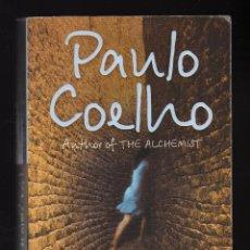 Libros de segunda mano: THE ZAHIR POR PAULO COELHO - HARPERCOLLINSPUBLISHERS, 2006 · 356 PÁGINAS EN INGLÉS ·PESO: 353 GRAMOS. Lote 182865938