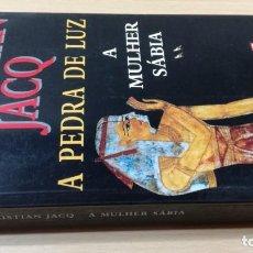 Libros de segunda mano: A MULHER SABIACHRISTIAN JACQA PEDRA DE LUZHISTÓRIA EM PORTUGUESP-302. Lote 199433993