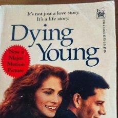 Libros de segunda mano: DYING YOUNG – MARTIN LEIMBACH – IVY BOOKS NEW YORK.. Lote 199830838