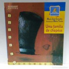 Libros de segunda mano: UMA FAMÍLIA DE CHAPÉUS, MARIA JOÂO CARVALHO, EVEREST (PORTUGUÉS) 9789727508549. Lote 209602797