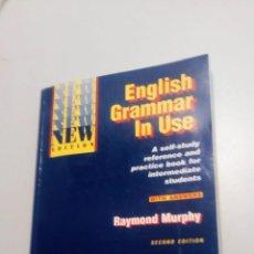 Libros de segunda mano: ENGLISH GRAMMAR IN USE. Lote 211563871