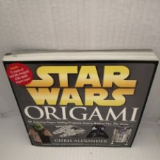 Livres d'occasion: STAR WARS ORIGAMI: 36 AMAZING PAPER-FOLDING PROJECTS FROM A GALAXY FAR, FAR AWAY (FIRST EDITION). Lote 218588688