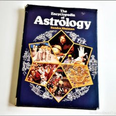 Libros de segunda mano: 1976 LIBRO THE ENCYCLOPEDIA OF ASTROLOGY - SANDRA SHULMAN - 24 X 33.CM. Lote 221613161