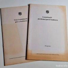 Libros de segunda mano: DOS LIBRETOS CONSTITUCIO DEL PRINCIPAT D'ANDORRA - 1993 - 19 X 28.CM. Lote 221620277