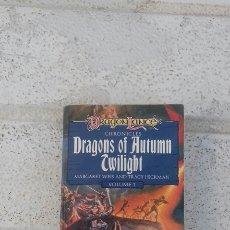 Libri di seconda mano: DRAGONS OF AUTUMN TWILIGHT VOLUMEN 1(MARGARET WEIS AND TRACY HICKMAN). Lote 223288246