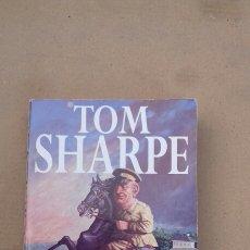 Libros de segunda mano: INDECENT EXPOSURE (TOM SHARPE ) PAN. Lote 227679505