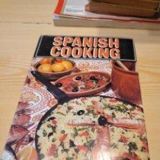 Libros de segunda mano: M-25 LIBRO EN INGLES SPANISH COOKING ELIZABETH CASS. Lote 251588460
