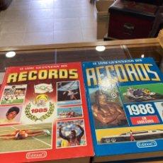 Libros de segunda mano: LOTE DE 2 LIBROS DE LOS RÉCORD GUINNESS, AÑOS 80 EN FRANCES. Lote 259877250