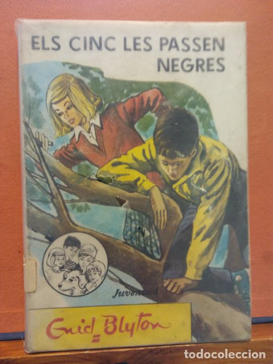 ELS CINC LES PASSEN NEGRES. ENID BLYTON. EDITORIAL JUVENTUD (Libros de Segunda Mano - Otros Idiomas)
