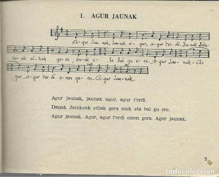 Libros de segunda mano: Boga boga. Erri Abesti Xorta. Donostiko apaizgaitegia 1959, ver nota - Foto 2 - 269457383
