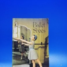 Libros de segunda mano: BALLET SHOES. A STORY OF THREE CHILDRESN ON THE STAGE. NOEL STREATFEILD. PUFFIN B. 1980. PAGS. 235.. Lote 285061383