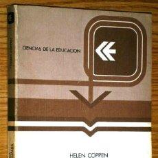 Libros de segunda mano: UTILIZACIÓN DIDÁCTICA DE LOS MEDIOS AUDIOVISUALES POR HELEN COPPEN DE ANAYA EN MADRID 1978. Lote 42833322