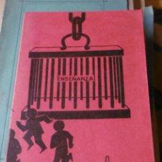 Libros de segunda mano: EL PEQUEÑO LIBRO ROJO DE LOS ESCOLARES. Lote 132231174