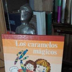 Livres d'occasion: SERIE FANTASIA Y LECTURA 2. LOS CARAMELOS MAGICOS. TAPA DURA. EXCELENTE, (SANTILLANA, 1981).. Lote 192189430